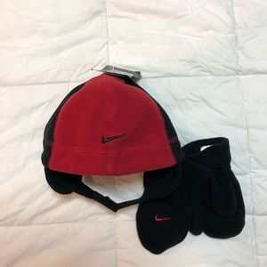 NWT Toddler Nike winter hat and mittens